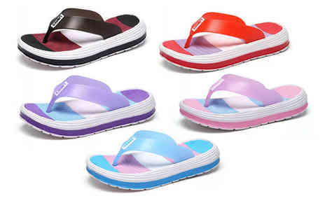 Wow What Who - Pair of womens beach slippers choose from five colours - Save 53%