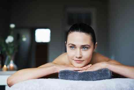 Skinique Hair and Beauty - Choice of 30 or 60 Minute Massage - Save 48%