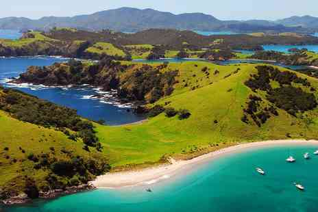STA Travel - Auckland to Wellington tour including Bay of Islands - Save 0%