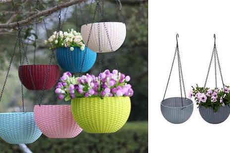 EClife Style - Hanging Rattan Effect Planter Basket Choose from Eight Colours - Save 73%