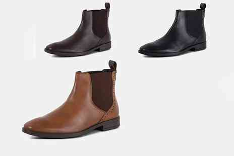 Redfoot - Pair of Chelsea walker boots choose from three colours - Save 78%