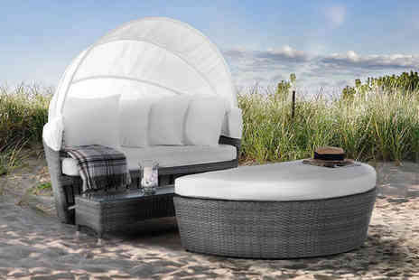 ArteHome - Circular grey rattan day bed - Save 45%