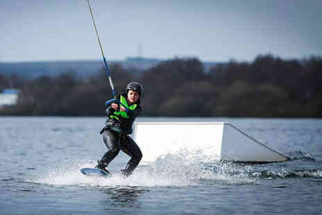 Pier 52 - Beginners cable wakeboarding lesson - Save 47%