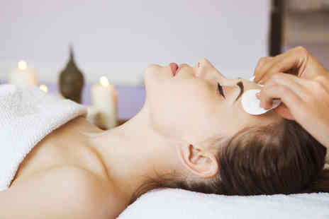 The Beauty Lounge - 90 minute personalised pamper package with refreshments - Save 73%