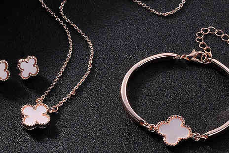 J Star Direct - Three Piece Lucky Four Leaf Clover Jewellery Set Choose from Two Colours - Save 70%