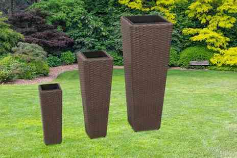 Vida XL - Set of three rattan flower pots choose from two colours  - Save 81%
