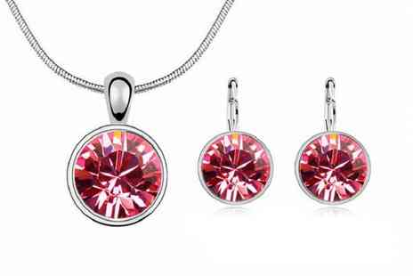 Backtogoo - Crystal pendant jewellery set choose from eight colours - Save 75%