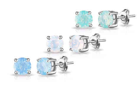 Philip Jones - Pair of stud earrings made with crystals from Swarovski choose from three colours - Save 58%