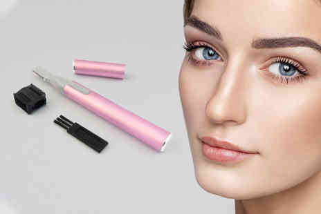 Forever Cosmetics - Glamza electric eyebrow razor - Save 69%
