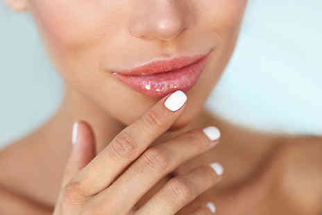 Skinox Aesthetics - 1ml lip filler treatment - Save 49%