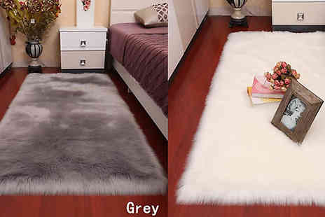 Secret Storz - Faux Fur Fluffy Rug Available in Six Colours And Five Sizes - Save 86%