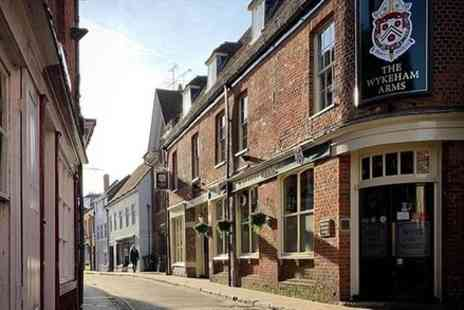 Winchester Pub Tours - Discover Winchesters Traditional Pubs with a Local - Save 0%