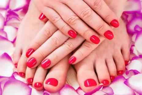 Jamie Leigh at Glambox Hair & Beauty Lounge - Shellac Fingernails, Toenails or Both - Save 33%