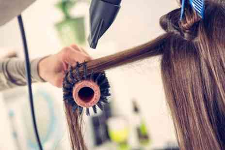 Bonnies - Wash, Cut and Blow Dry with Optional Half or Hull Head of Highlights - Save 48%