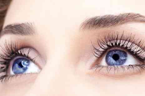 Fabulashes Lounge - Set of Silk Eyelash Extensions with Optional Eyebrow Wax and Tint - Save 42%