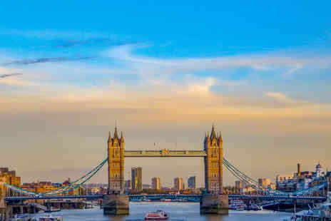 OMGhotels - Four Star Overnight London stay with breakfast and evening River Thames cruise - Save 0%