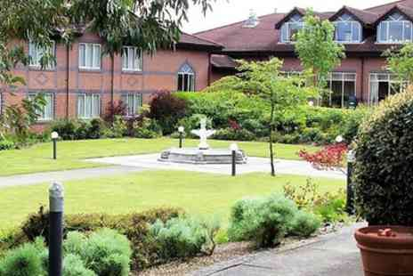 Mercure Daventry Court Hotel - Double Room for 2 with Breakfast, Leisure and Option for Dinner - Save 38%
