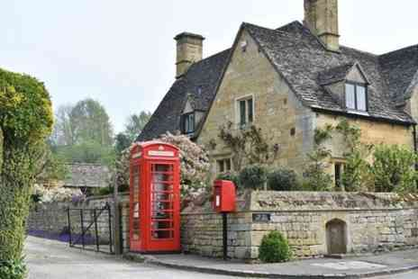 The Full English Backpacker Bus - 1 Day Cotswolds and Cream Tea Backpacker Tour - Save 0%