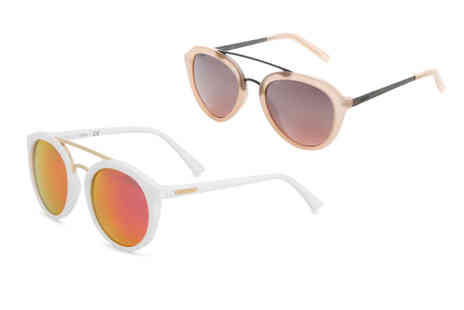 IDT Spa - Pair of Guess womens sunglasses choose from 17 designs - Save 76%