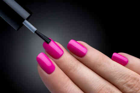 New Skills Academy - Online nail technician diploma - Save 95%