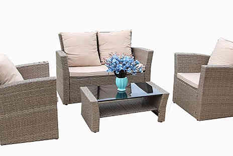 Dreams Living - Rosen 4 Seater Rattan Dining Set With Optional Rain Cover Choose from 2 Colours - Save 62%