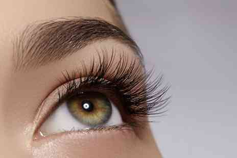 Desirees Studio - Semi permanent eyelash lift and tint - Save 50%
