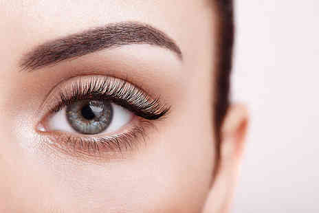 ZAKU Cosmetics - Semi permanent individual lash extensions treatment - Save 73%