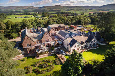 Appleby Manor - Overnight stay for two with breakfast two course dinner each with Prosecco - Save 41%