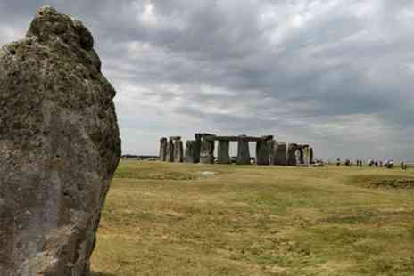 Black Taxi Tour London - Stonehenge and Bath Private Black Taxi Day Tour - Save 0%