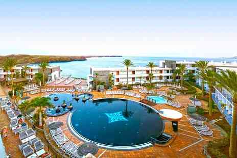 The Mirador Papagayo - Four Star Family Friendly Stay Surrounded by Paradisiacal Beaches for two - Save 79%