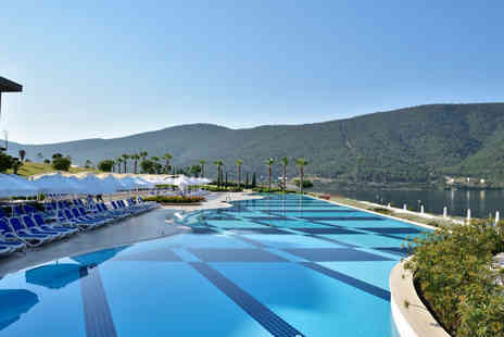 Super Escapes Travel - Five Star Seven nights all inclusive Turkey getaway and return flights - Save 21%