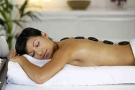 Heenas Beauty - 1 Hour hot stone, Swedish or deep tissue massage - Save 67%