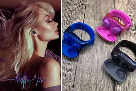 hey4beauty - Pair of wireless bluetooth headphones with wrist band case - Save 70%