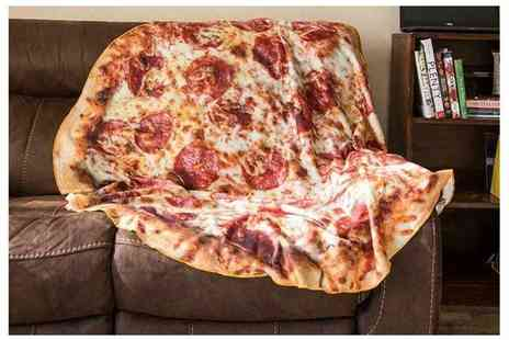 WowWhatWho - Small, medium and large pepperoni pizza blanket - Save 80%