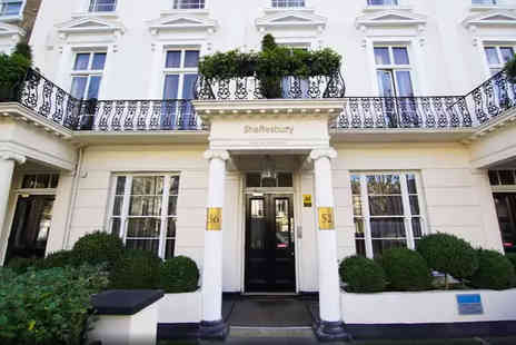 Shaftesbury Hyde Park International - Overnight stay for two people in a deluxe double room with breakfast, late check out and a bottle of Prosecco to share - Save 44%