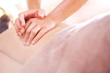 Petals Beauty Salon - Choice of 20 or 60 Minute Massage - Save 24%