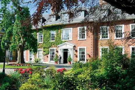 Travelzoo - Luxury manor break including flights and bubbly - Save 0%