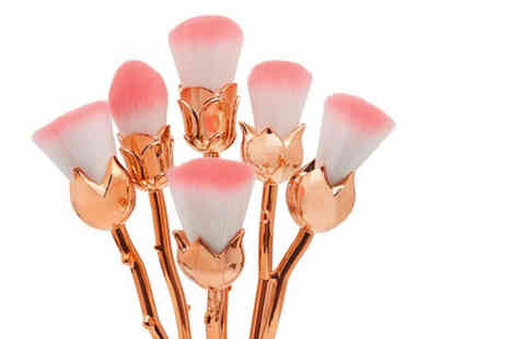CJ Offers - Set of Beautiful You rose makeup brushes - Save 65%