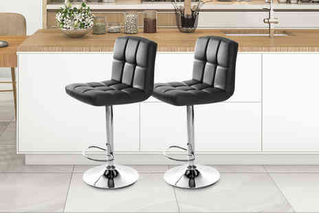 CnDirectBiz - Two cube bar stools choose from three colours - Save 72%