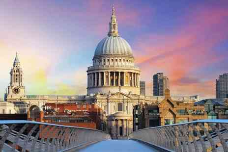 Marlin Apartments Queen Street - Spacious Apartments 10 Mins from St. Pauls Cathedral for two - Save 25%